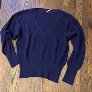 Free People navy blue sweater L